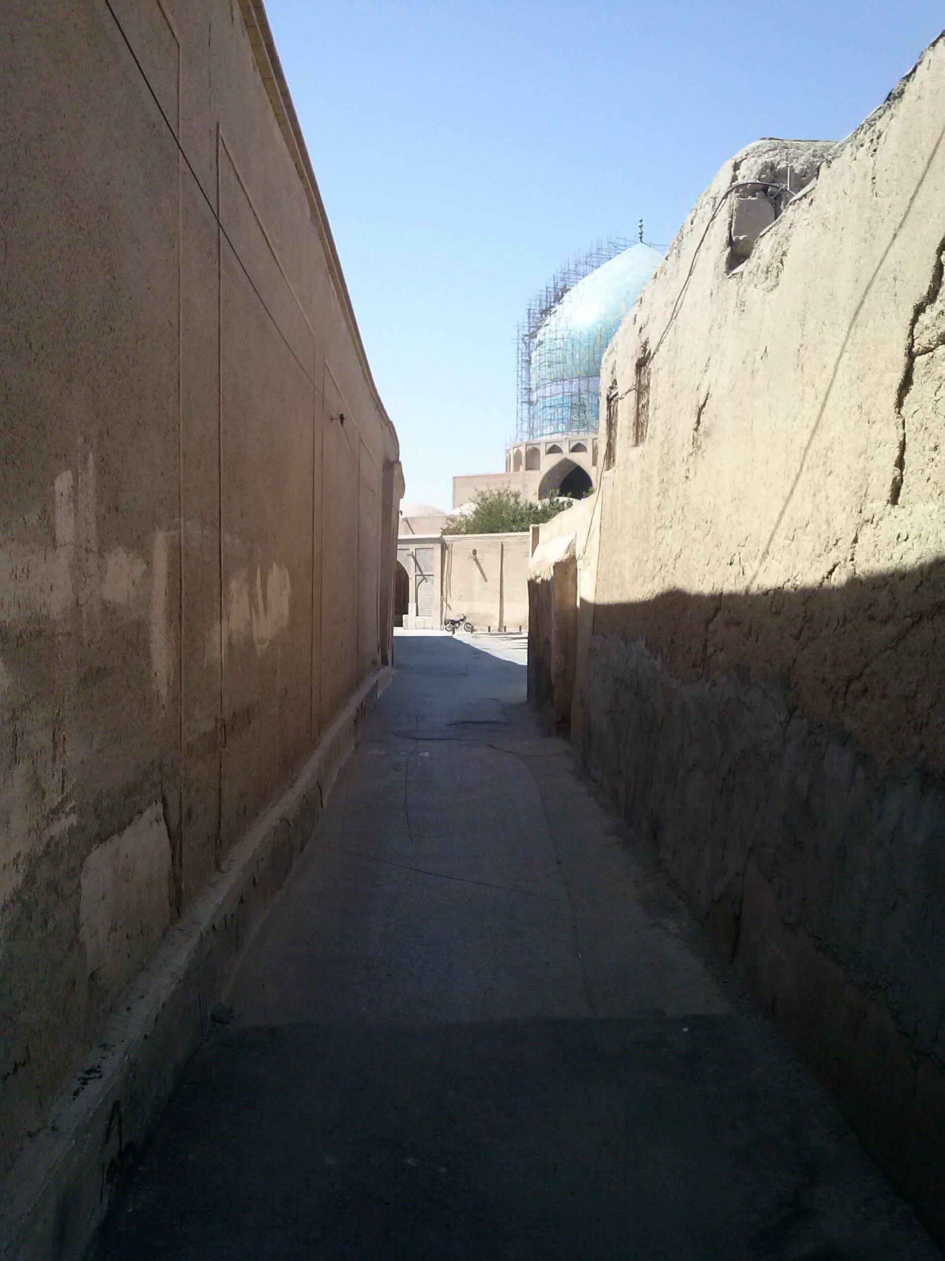 Gasse hinter der großen Moschee